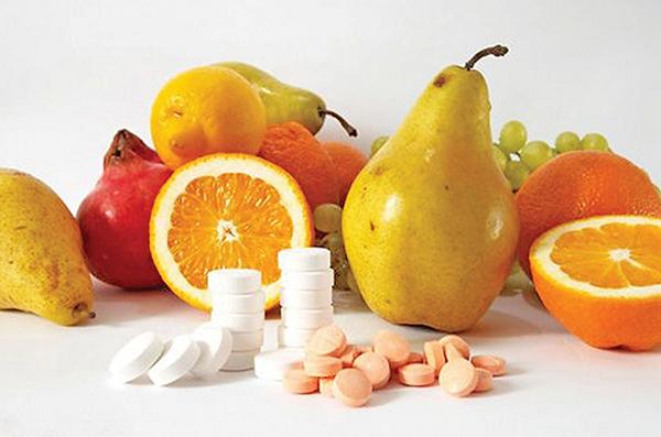 Груши, апельсины, виноград и таблетки