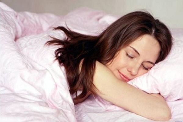 Отдыхающая женщина