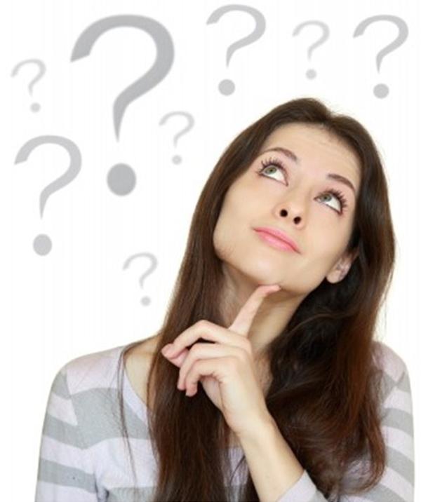 Задумчивая женщина с вопросами