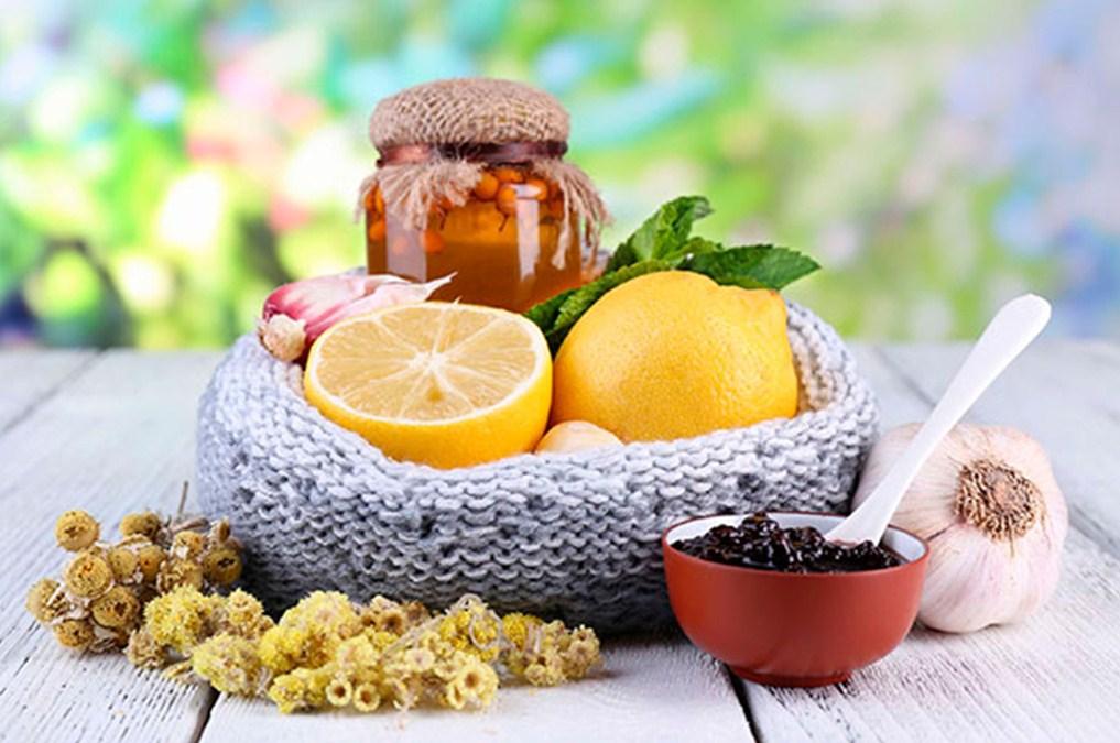 Лимон, варенье и травы
