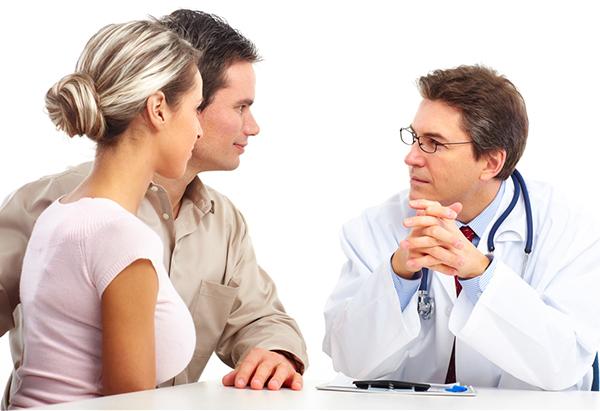 Муж и жена у врача