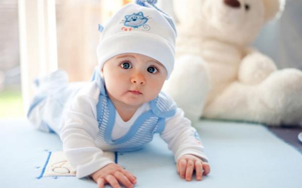 Малыш в удобной одежке