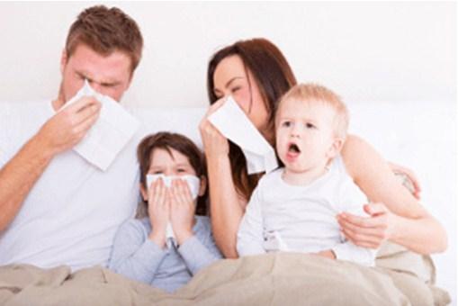 Кашляющая и чихающая семья